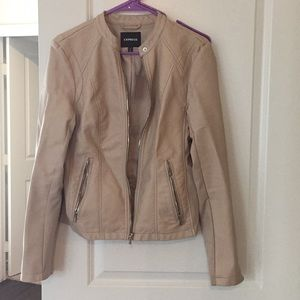 Express minus the leather jacket beige M
